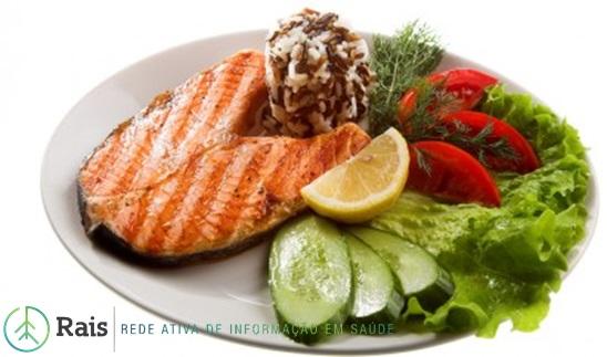rais-data-saude-dieta-mediterranea-header-peixe-salmao-prato
