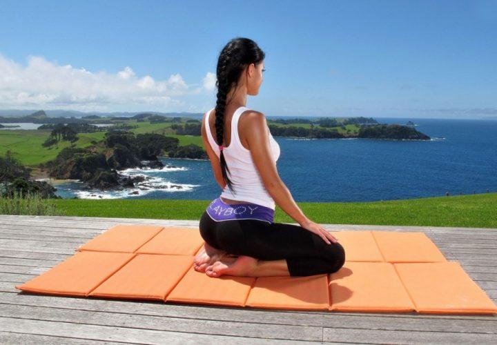 rais-data-yoga-quem-fica-sentado-joga-zdravie-1024x640