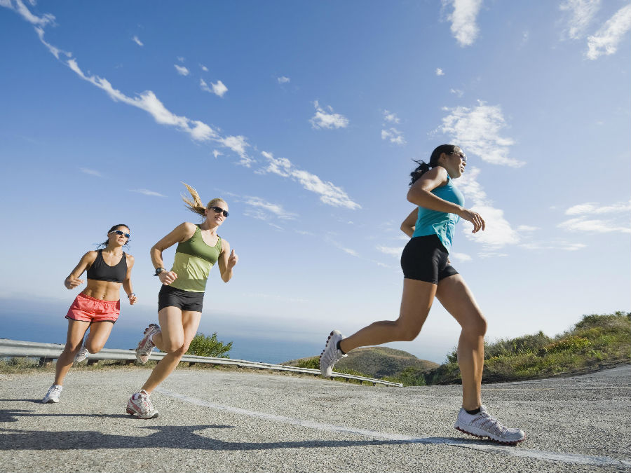 rais-data-saude-correr-demais-corrida-forte-estrada-mulheres