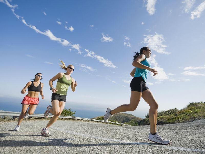 10.rais-data-saude-correr-demais-corrida-forte-estrada-mulheres