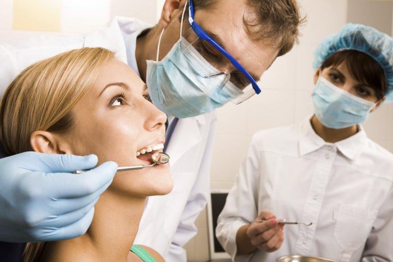 Ir ao dentista regularmente garante que você sempre estará com uma boca saudável.