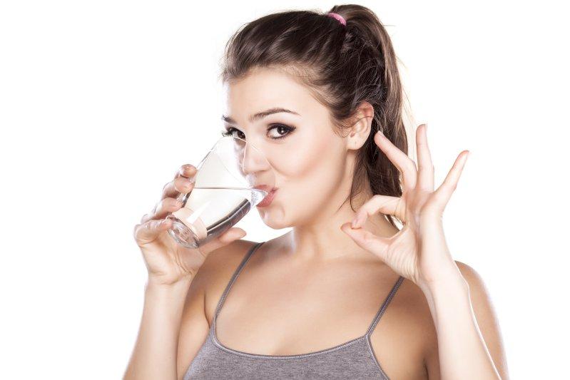 Água é um fator crucial para uma boca saudável.
