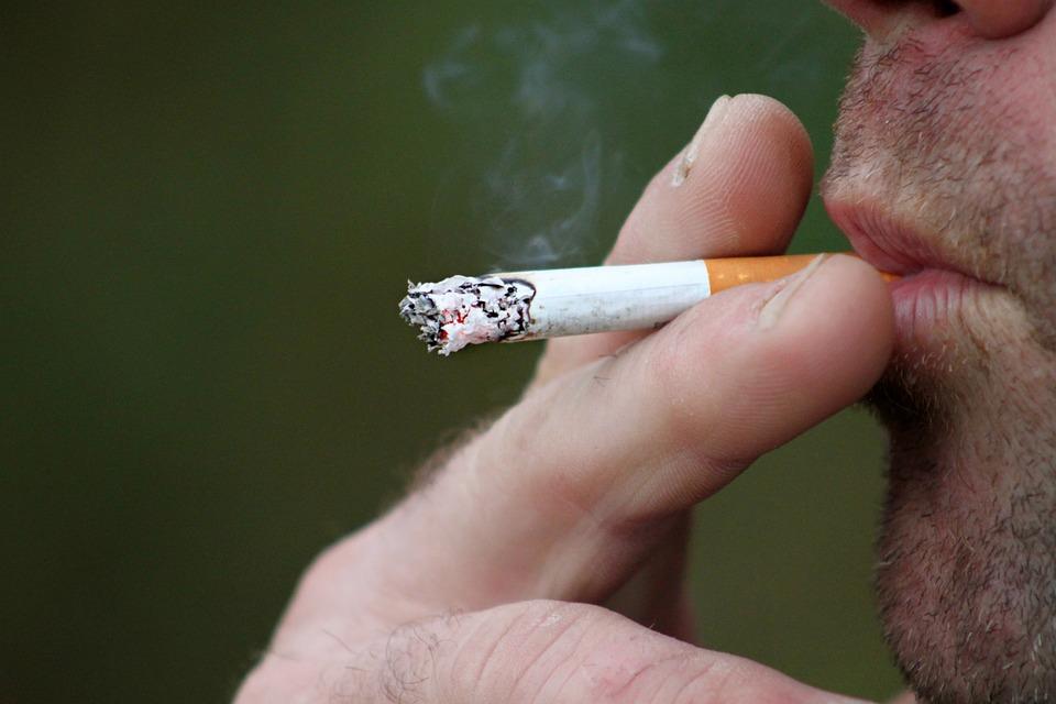 Pacientes que fumam Cancer